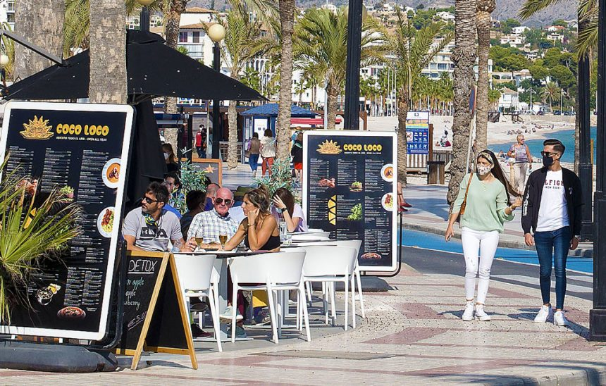 reopening open-air terraces in bars, restaurants and cafés from 1 March